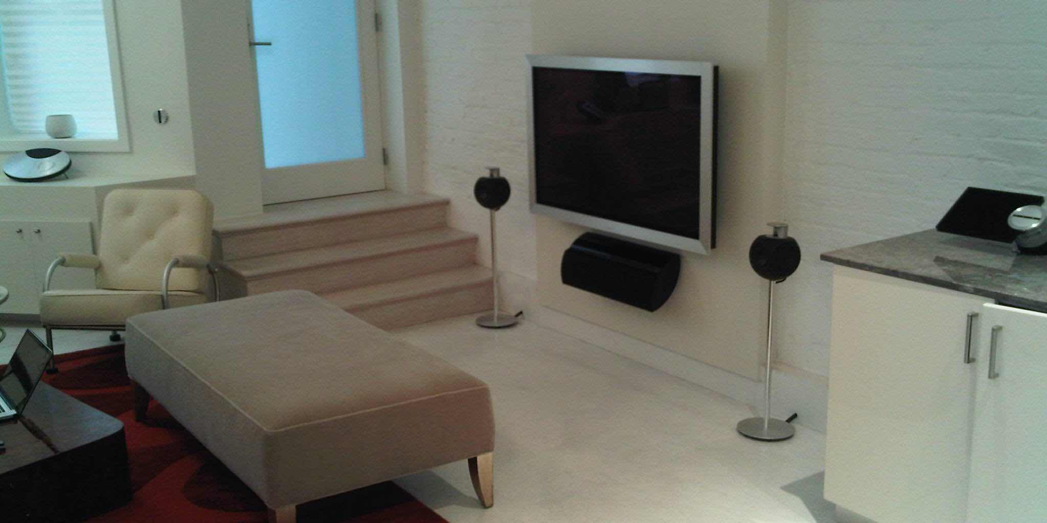 Custom installation of Bang & Olufsen Entertainment System with extreme attention to details, in Miami Beach, FL. By dmg Martinez Group.